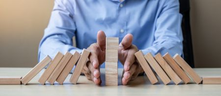 Minimal Risk Trades on Pocket Option